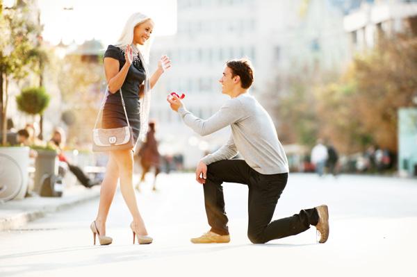 Wedding proposal in street