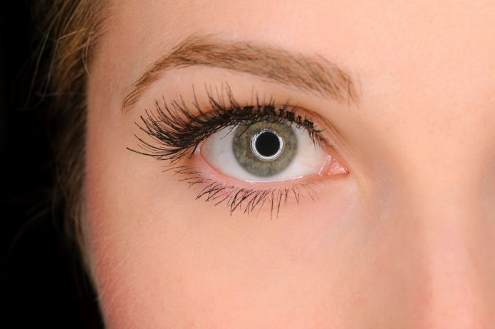 7 Facts About Fake Eyelashes That'll