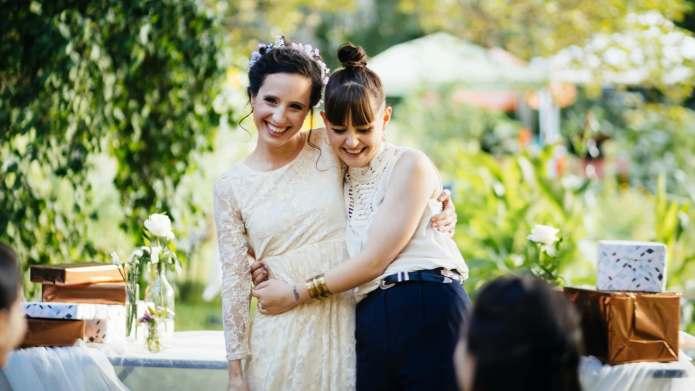 Wedding Gift Etiquette: How Much Money