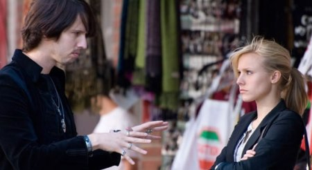 Jon Heder and Kristen Bell in When in Rome