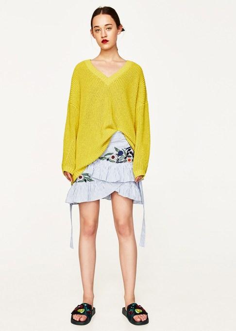 Summer Sweaters: Zara Oversized Sweater,   Summer fashion 2017