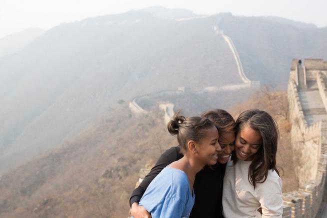 flotus-china-trip-malia-sasha-obama