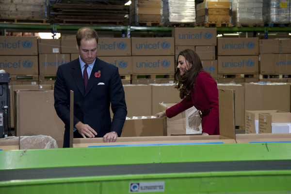 Prince William and Kate boxing supples UNICEF