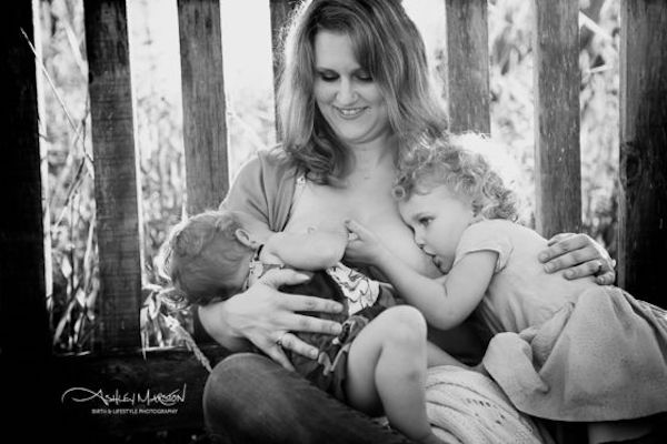 21 badass moms breastfeeding 2 kids at once
