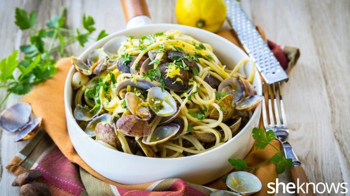 Spaghetti alle vongole: Simple Italian clam