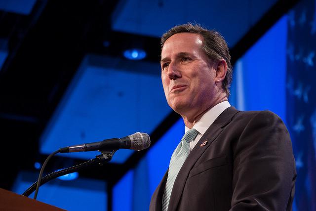 Rick Santorum speaking at the 2015 Lincoln Dinner in Des Moines, Iowa
