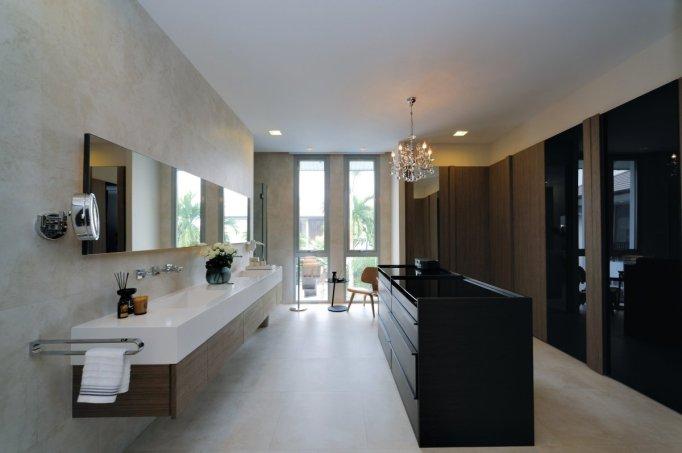 Black Bathroom Island