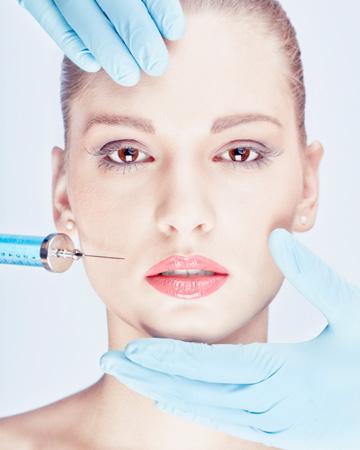 Woman in 20s having botox