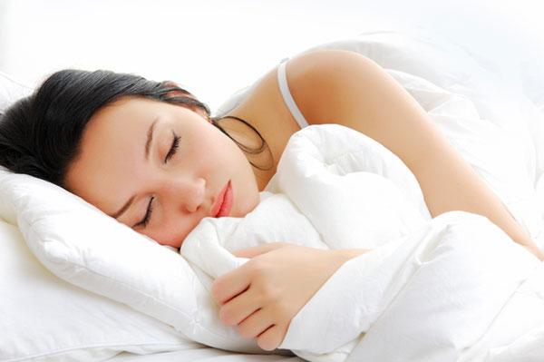 Woman getting a good night's sleep | Sheknows.ca