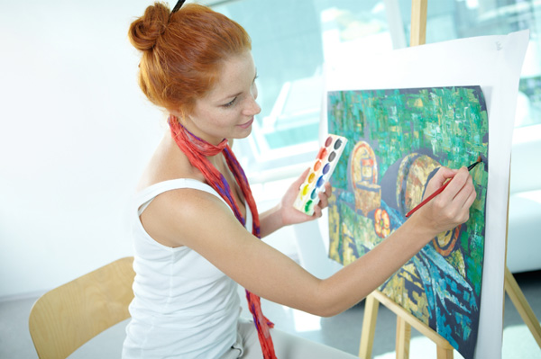 woman in adult education art class