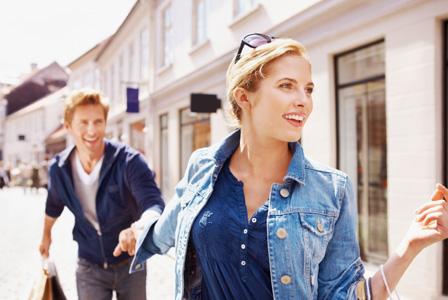 Woman shopping with boyfriend