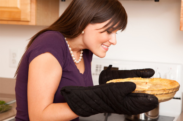 woman with fresh baked apple pie