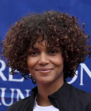 Gabriel gets Halle Berry to dish