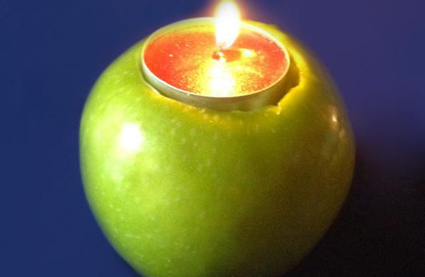 How to make a candle apple