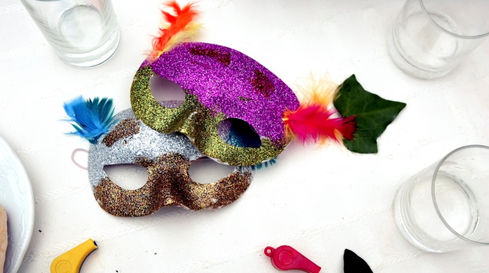 DIY decorated masquerade mask you can