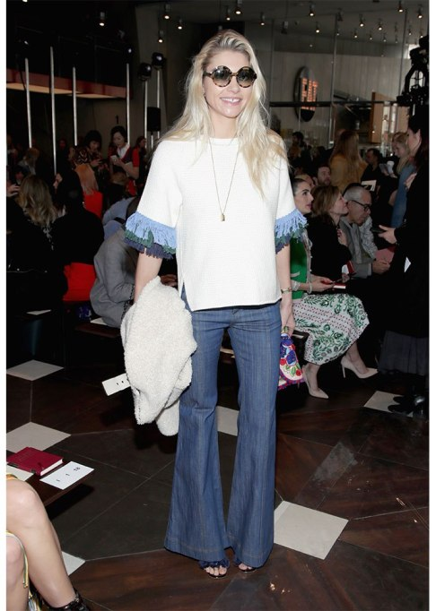 Celebrities Who Wore Wide Leg Jeans and Looked Damn Good | Jessica Hart
