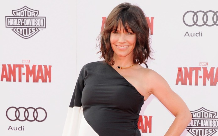 Evangeline Lilly is not 'flaunting' her