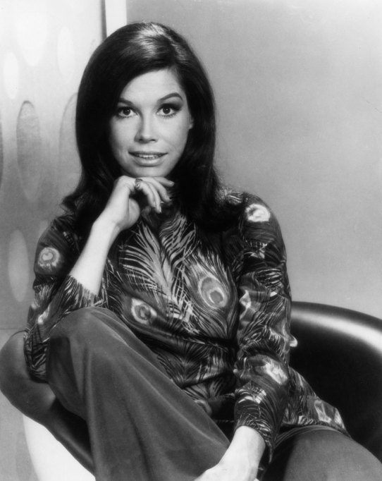 These celebrities died in 2017: Actor Mary Tyler Moore