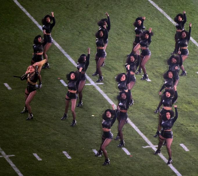 Beyonce & dancers onfield Super Bowl 50