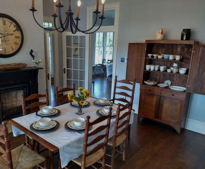 Fixer Upper Houses for Rent: You'll want to stay in for meals at The Mailander House