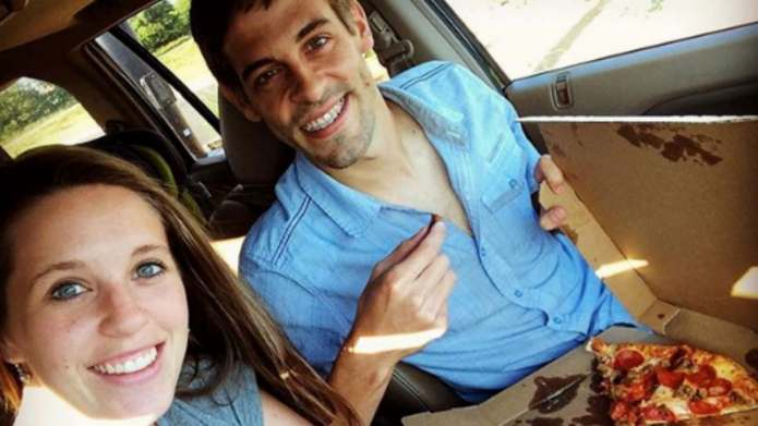 In Duggar News, Derick Dillard Is