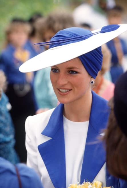Princess Diana's favorite color eyeliner: Princess Di in Blue and White Suit
