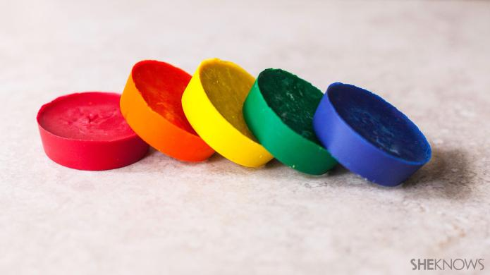 Easy DIY chunky crayons for toddlers