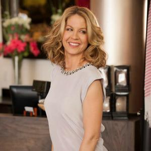 INTERVIEW: Growing Up Fisher's Jenna Elfman