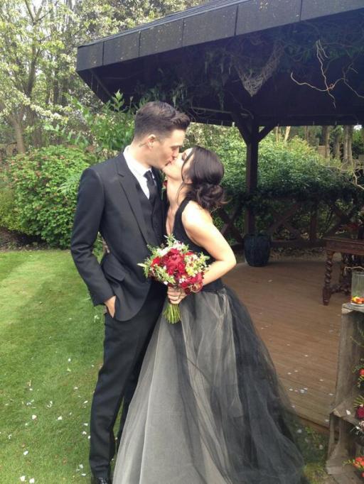 Celebrity Who Wore Unconventional Wedding Dresses: Shenae Grimes | Celebrity Weddings