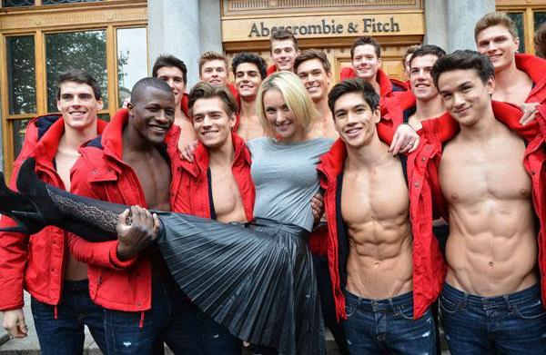 """Abercrombie & Fitch """"sorry"""" for anti"""