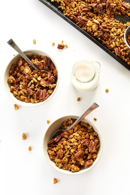 Pumpkin seed recipes to try this fall: pumpkin maple granola