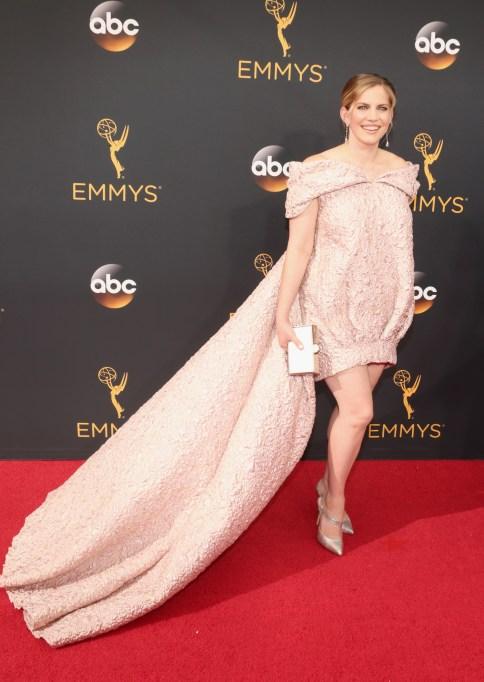 Anna Chlumsky Emmys 2016