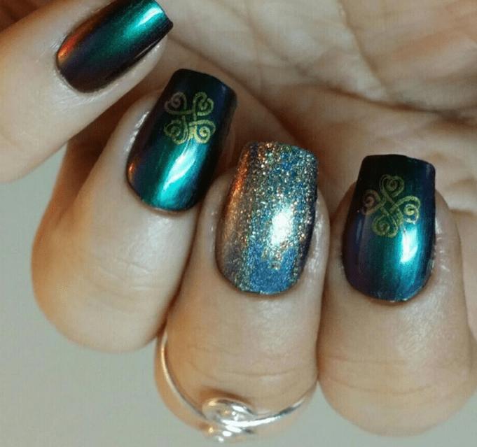 Clover nail design