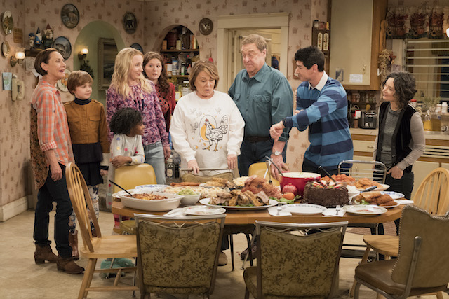 Still of Roseanne Barr and the cast of 'Roseanne'