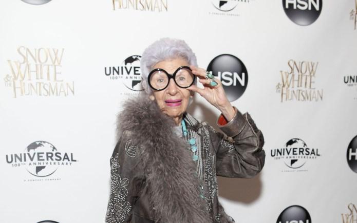 Fabulous Iris Apfel, 93, flirts with