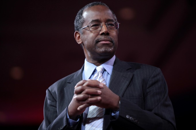 Ben Carson speaking at the 2015 CPAC in National Harbor, Maryland.