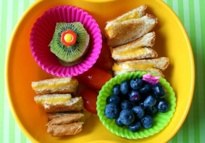 toddler-meals-grilled-cheese-squares