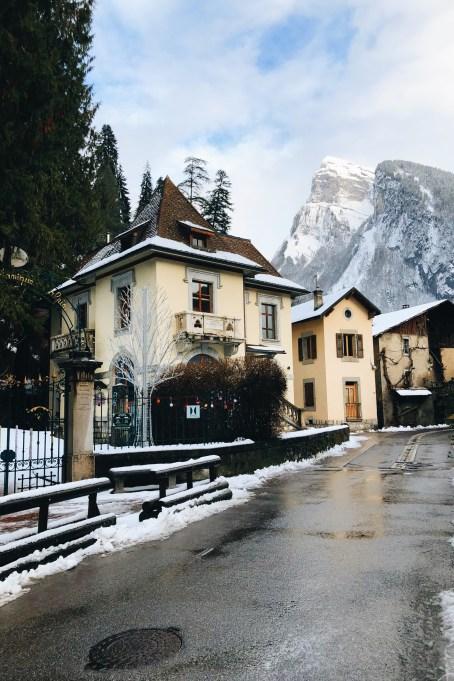 Picture-Perfect Winter Destinations: Samoëns, France