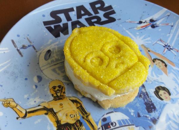 Star Wars C-3PO ice cream sammy