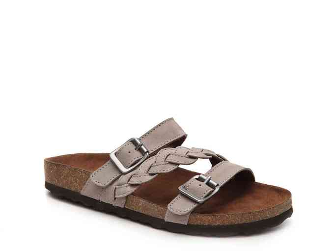 White Mountain Huntington flat sandal