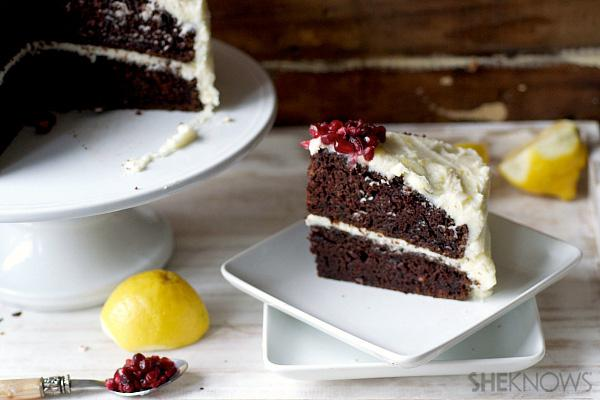 Double layer beet cake with lemon
