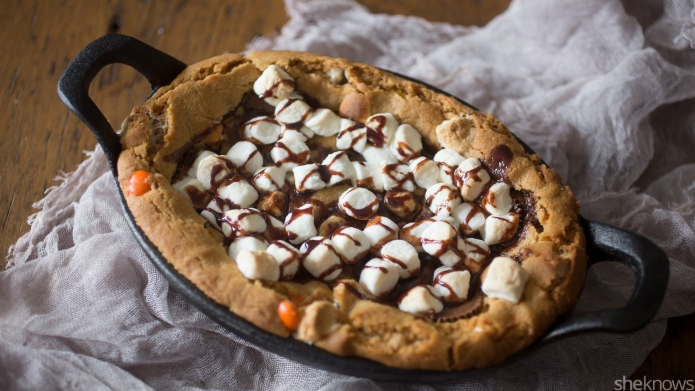 Peanut butter s'mores skillet cookie is