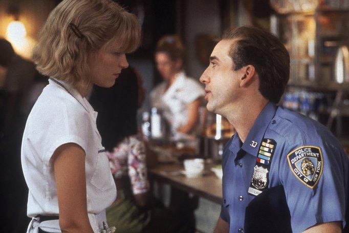 Still of Nicolas Cage and Bridget Fonda in 'It Could Happen to You'