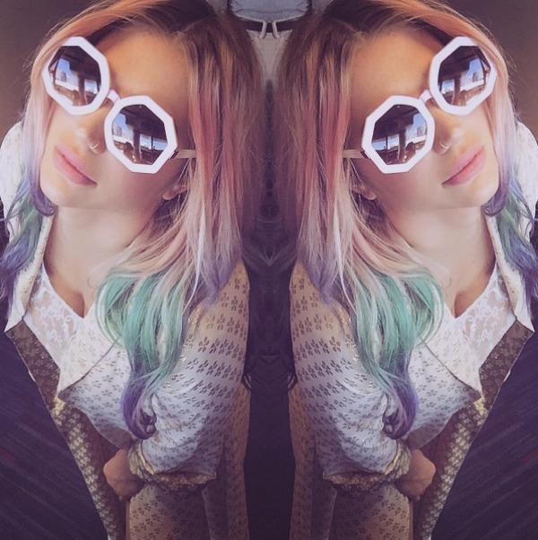 Kesha selfie