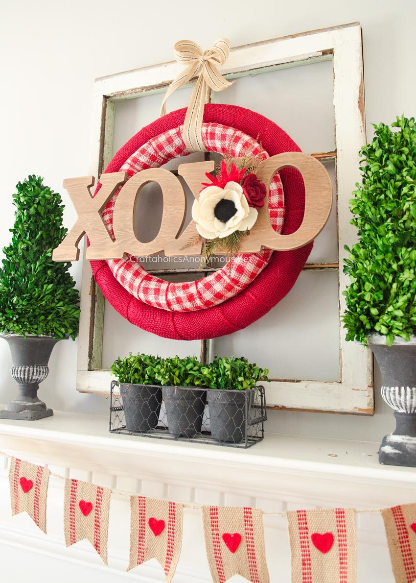 Valentine's Day Decor: XOXO Wreath