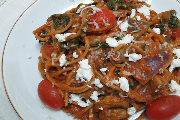 Tomato and goat cheese whole-wheat spaghetti