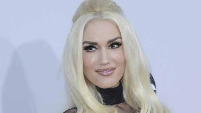 Gwen Stefani throws major shade at