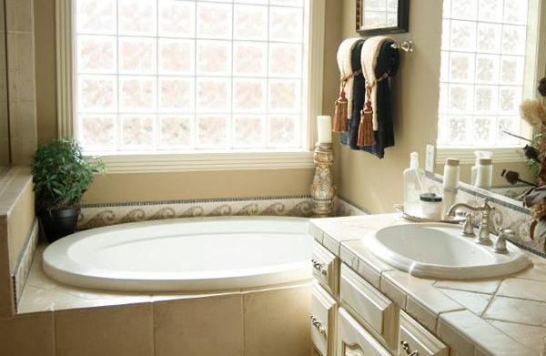 10 Tips to organize your bathroom