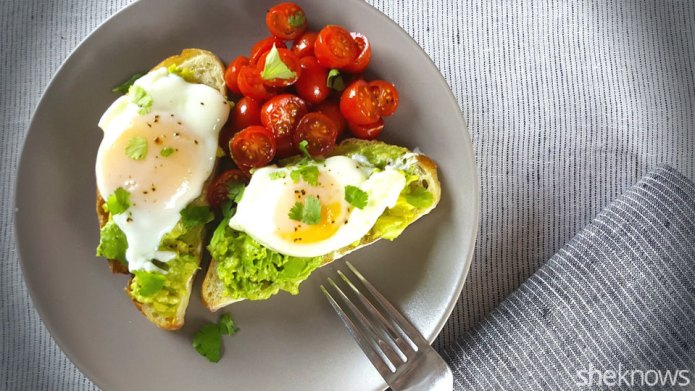 How to make poached eggs in