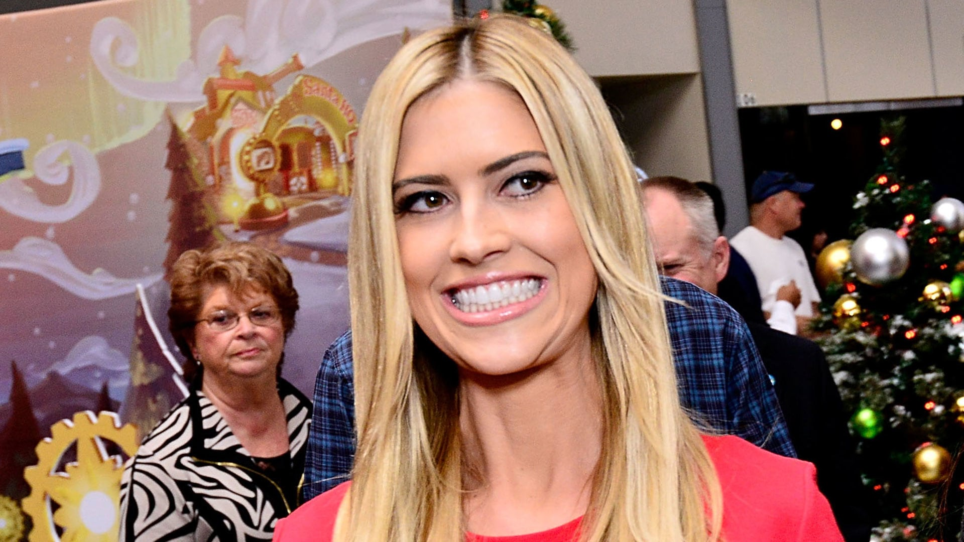 2e3f1beadd5888 Christina El Moussa reportedly verbally attacked by Tarek on Flip or Flop  set